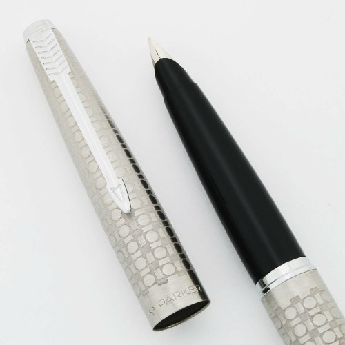 """Parker 45 Harlequin """"Circlet""""  Fountain Pen (1981) - Stainless Steel w Etched Circles, Broad Steel Nib (Excellent + Works Well)"""