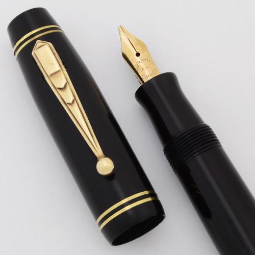 Parker Parco Fountain Pen (1932, Canada) - Black w/Gold Trim,  Lever Filler, 14k Warranted Medium-Broad Flexible Nib (Excellent, Restored)