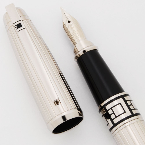 ST Dupont D-Link Fountain Pen (2000s) - Platinum-plated, C/C,  18k Medium Nib (Mint in Box, Works Well)