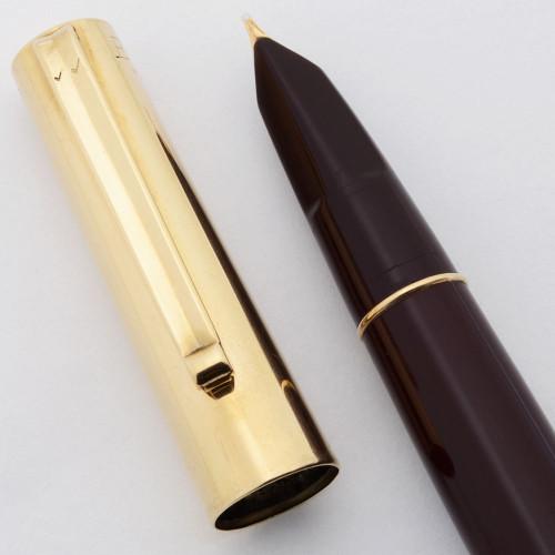 Eversharp Fifth Avenue Demi Fountain Pen  - Burgundy w Solid 14k Cap, 14k Medium Nib (Excellent, Restored)