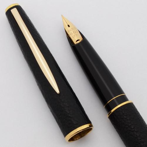 Pilot Fountain Pen (1970s) - Black Sheepskin w/GT, C/C, Fine 18k Nib (Near Mint, Works Well)