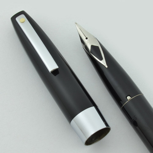 Sheaffer 330 (Quasi-Imperial) Short Diamond Nib - Fountain Pen (New Old Stock in Box)