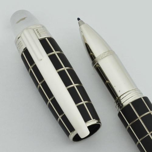 Montblanc Starwalker Fineliner (Rollerball) Pen - Grid Rubber & Platinum (Excellent +, Works Well)