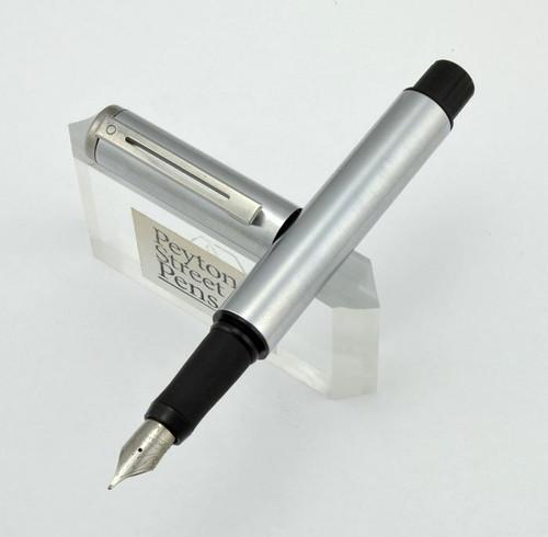 Sheaffer Award Fountain Pen - Brushed Steel, Steel Trim, Medium (Pre-owned)