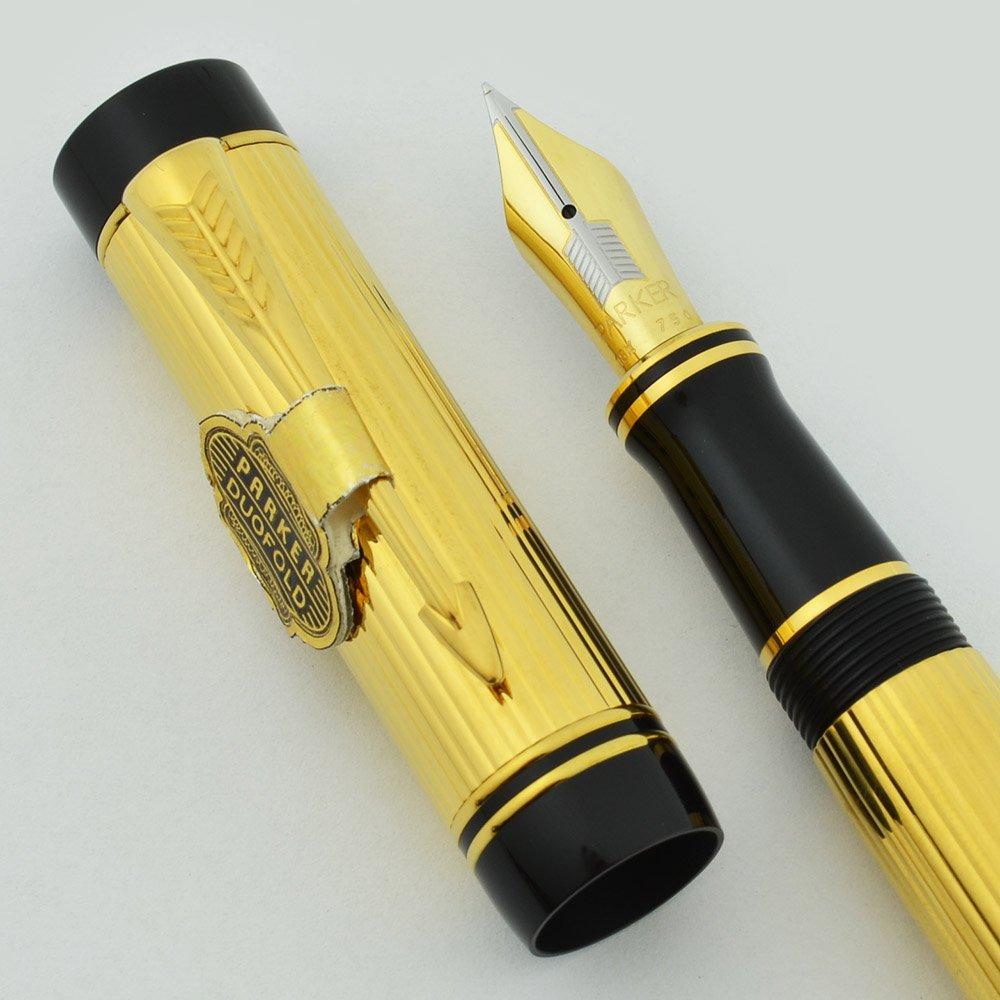 Parker Duofold Centennial Fountain Pen - Godron Gold Lined