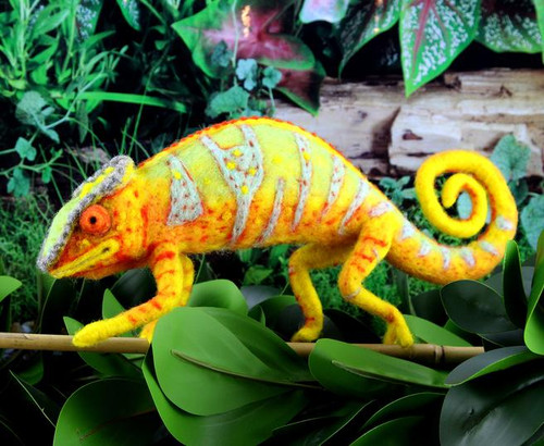 Connie the Chameleon Needle Felting Kit