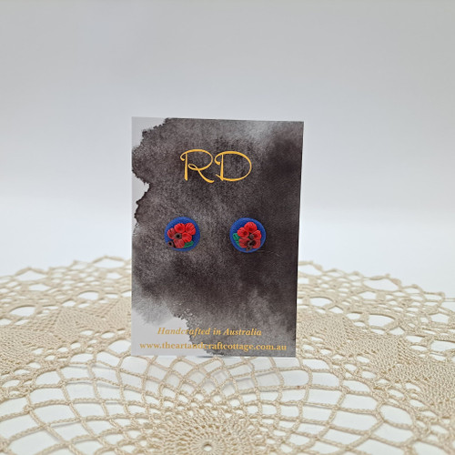 Red Bottlebrush on Sparkly Dark Blue 04