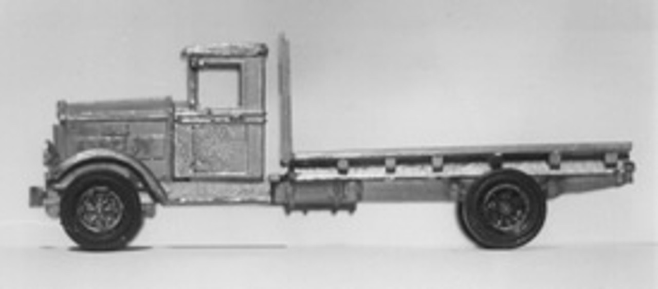1932 Mack BM / BQ Truck with Flatbed & Stakes Kit