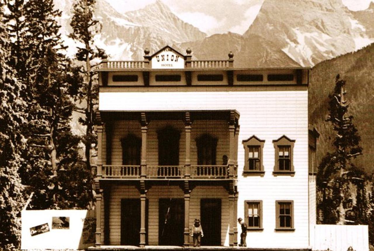 1880's Union Hotel Kit