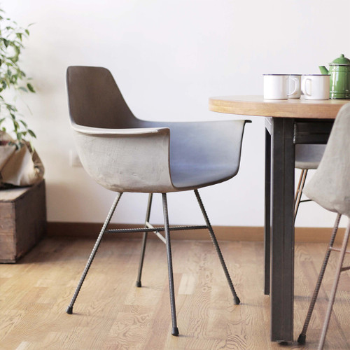 iconic mid-century design with a modern twist,ergonomic and comfortable seat