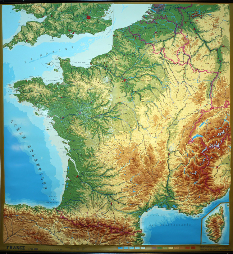 France Large Extreme Raised Relief Map - French Language - Relief Technik - Vintage New Old Stock