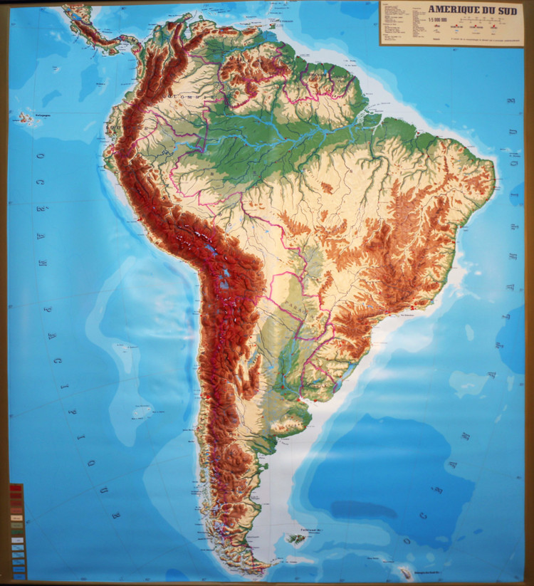 South America Large Extreme Raised Relief Map - French Text