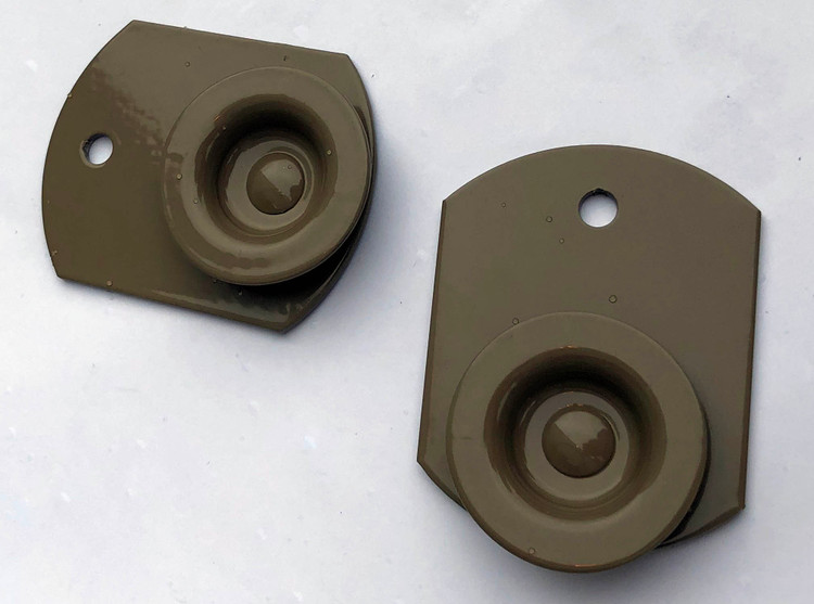 Button mounts alternate