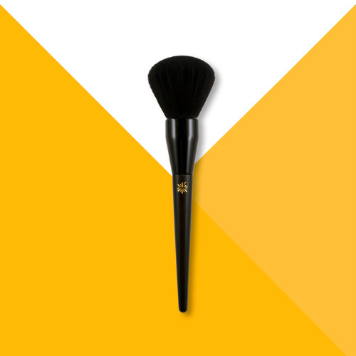 Application is key and gone are the days of uneven color distribution or risking solution ending up on your fingers! Our brush perfectly distributes the Face Mist solution leaving you with a hint of color that will develop fully over the next 8 hours!!