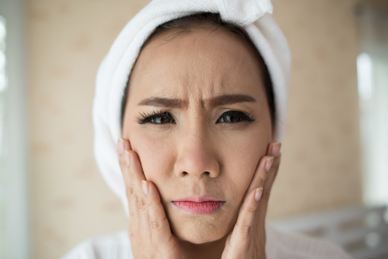 Simple Ideas to Handle Aging Process for Face & Eyelids