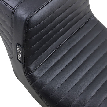 LePera Tailwhip Seat for 2008-2020 Harley Touring - Pleated