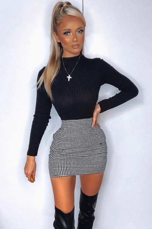 Black-White Dogtooth Mini Skirt With Fabric Buttons