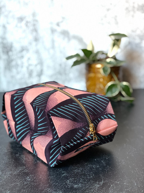 Coral Waves - Pop up Pouch