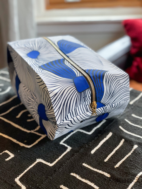 Blue & White Swirls - Pop up Pouch