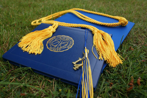 Tips for How to Frame a Diploma