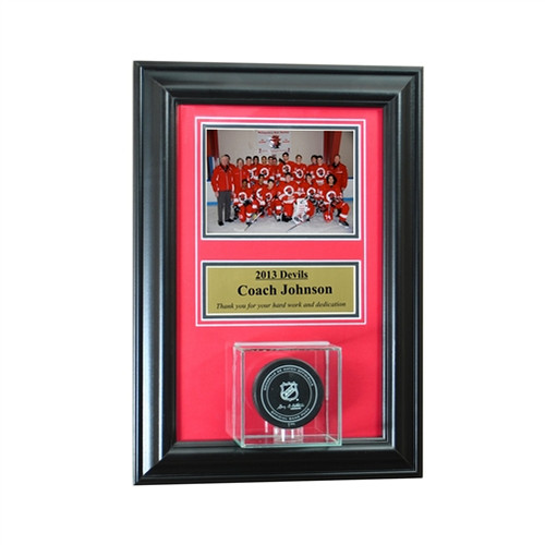 Wall Mounted Hockey Puck Case with 5x7 and Engraving Plate for Individual Award