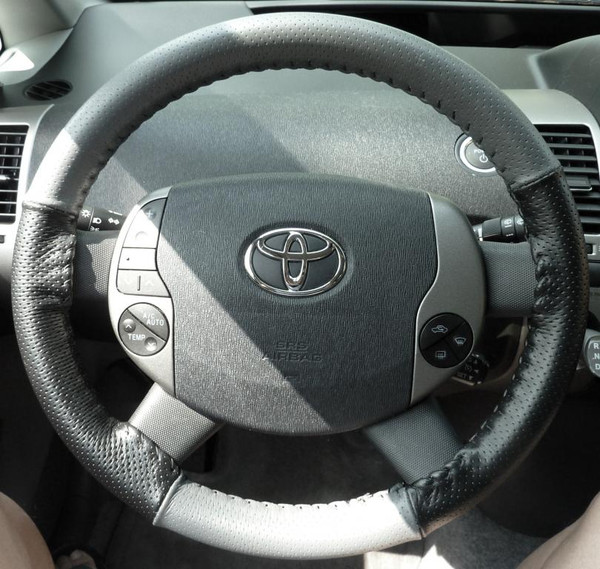 Wheelskins Eurotone Two-Color Genuine Leather Steering Wheel Cover for 2010-2015 Toyota Prius