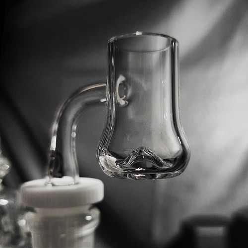 20mm Black Market Glass Toric Bell