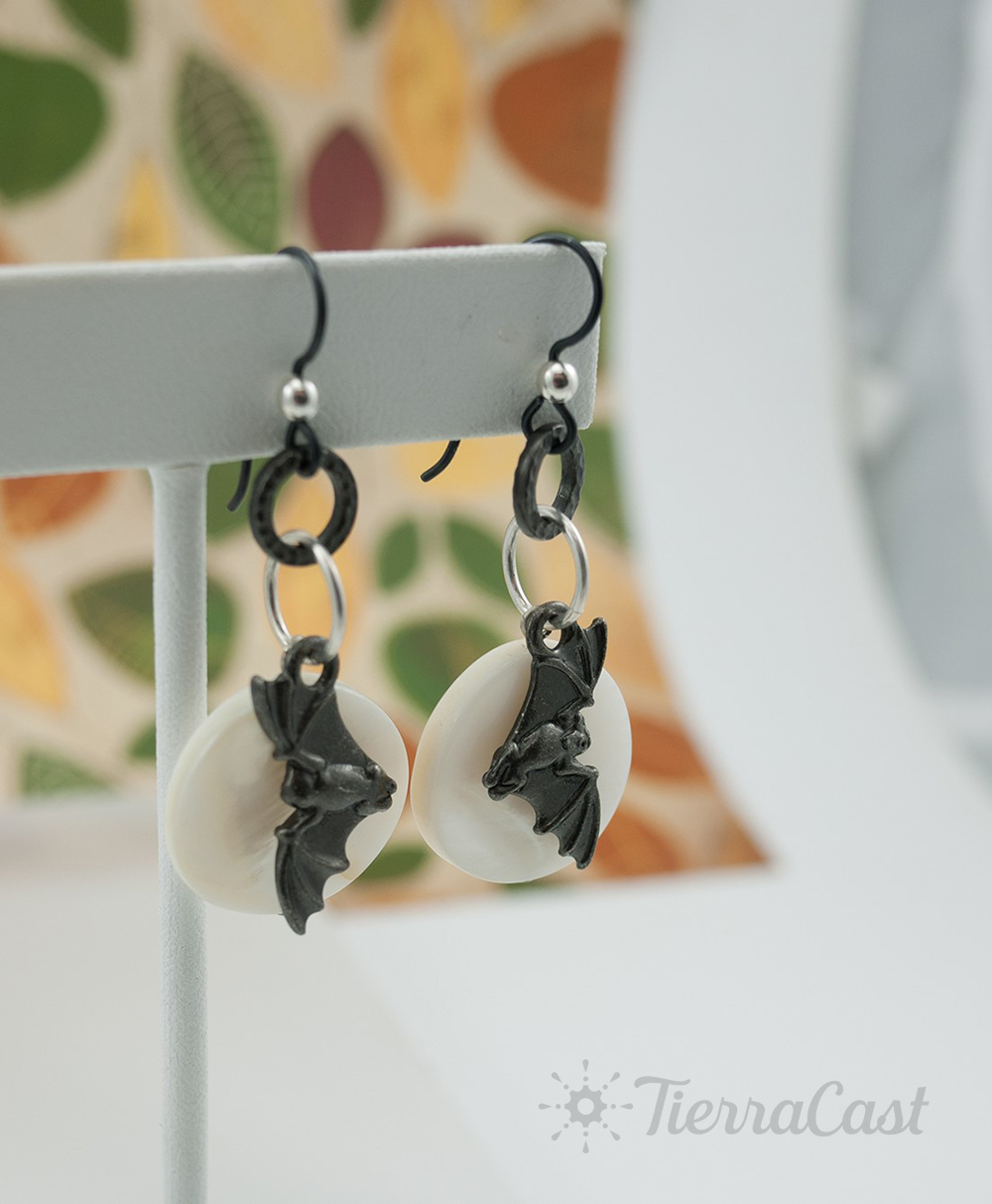 bat-and-moon-earrings-logo.jpg