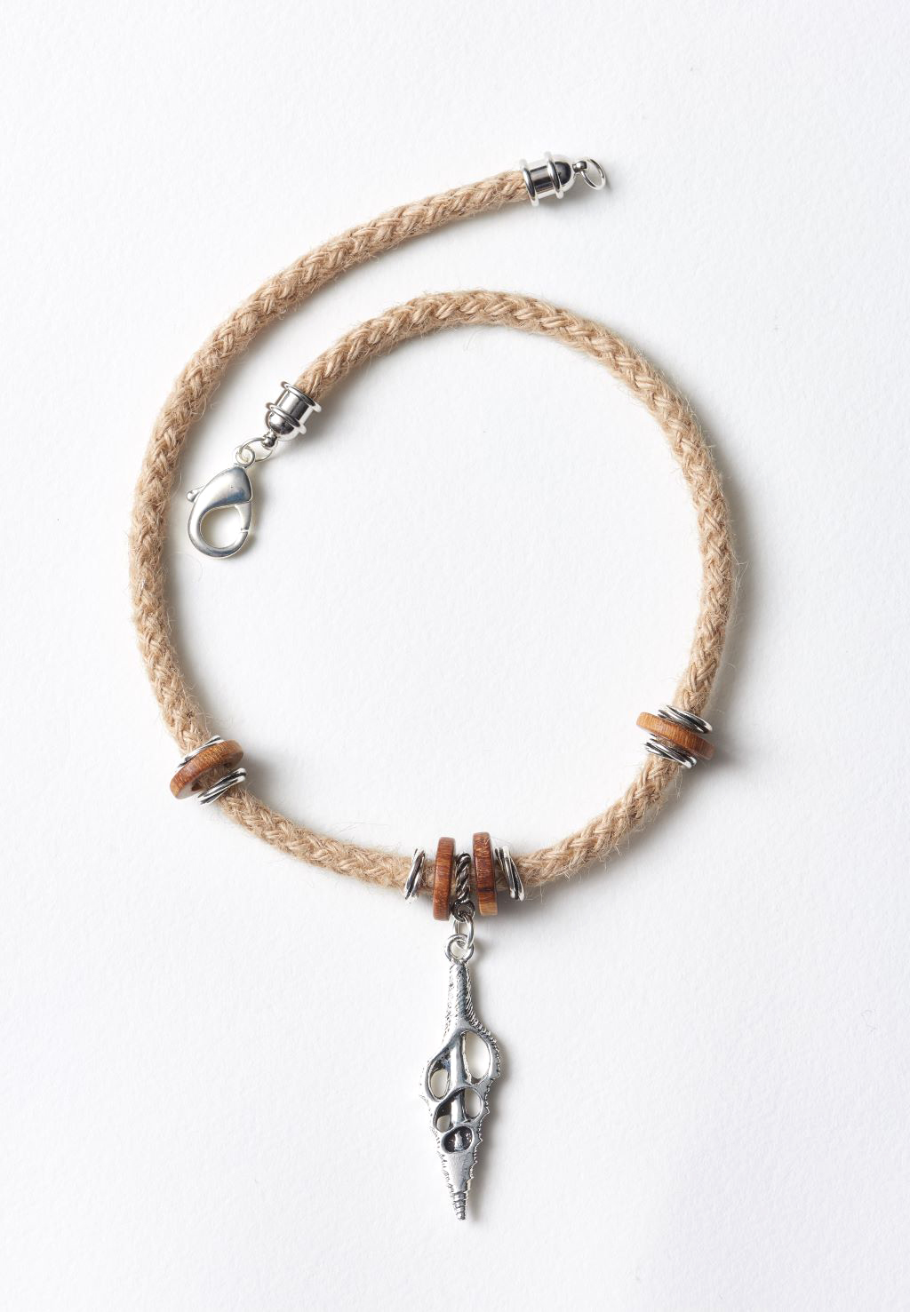 cut-spindle-rope-necklace2-1024px.jpg