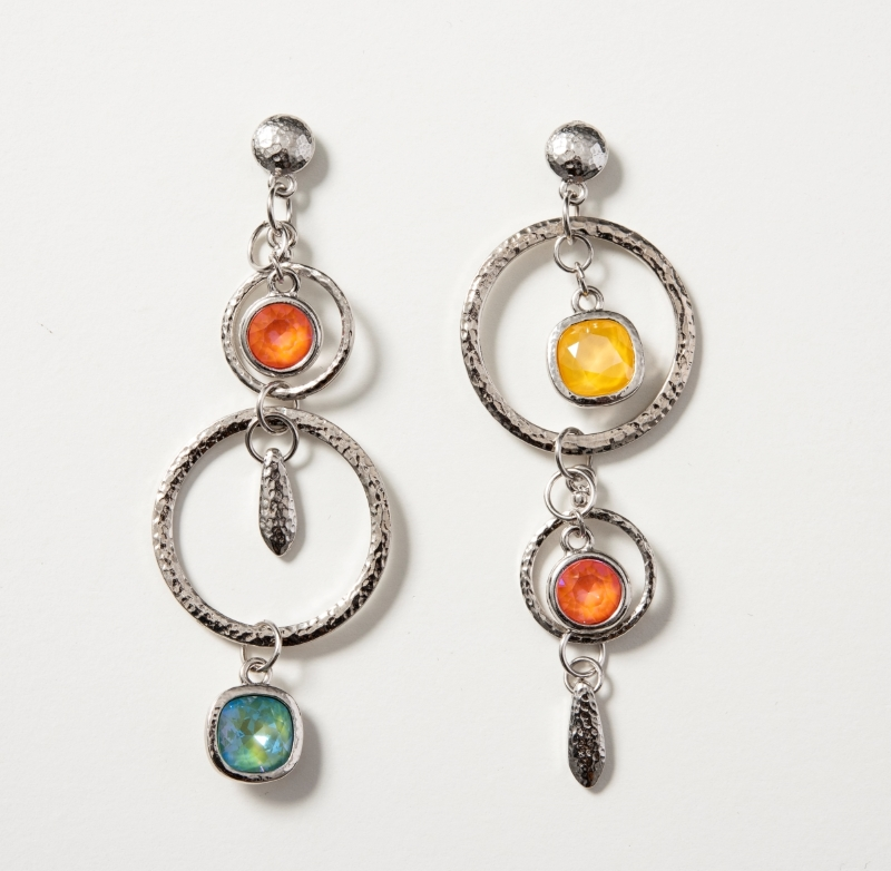retro-splash-earrings-on-white-800.jpg