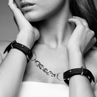 Maze Thin Cuffs Black
