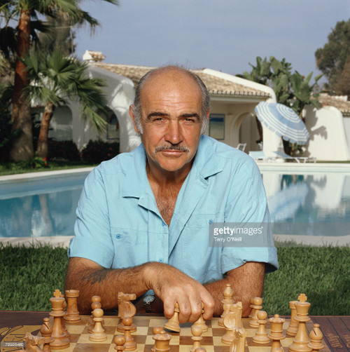 Sean Connery's favorite chess set is also the French Lardy
