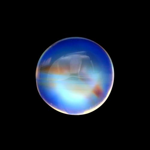 Rainbow Moonstone GSCRMO031  8 x 8 mm 3.10 Carat