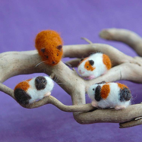 Woolpets Guinea Pigs Needle Felting Kit - Easy