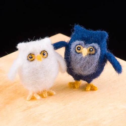 Woolpets Owls Needle Felting Kit - Intermediate