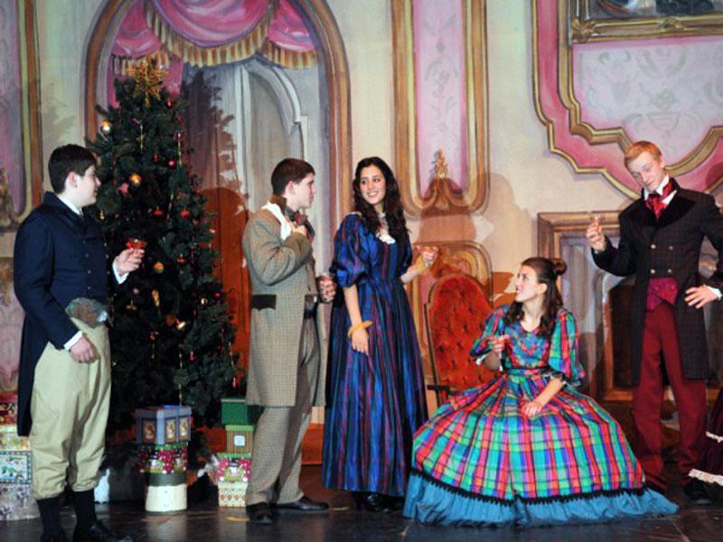 Christmas Caroling Costume.A Christmas Carol Costume Plot By Dc Theatricks Costume Com