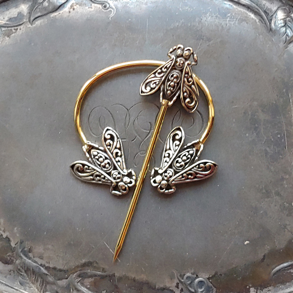 Filigree Honeybee Penannular Brooch