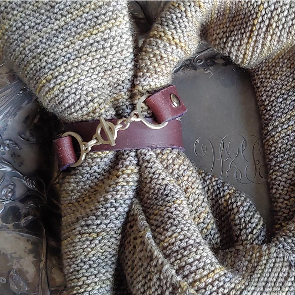 Minimalist Toggle Leather Cuff