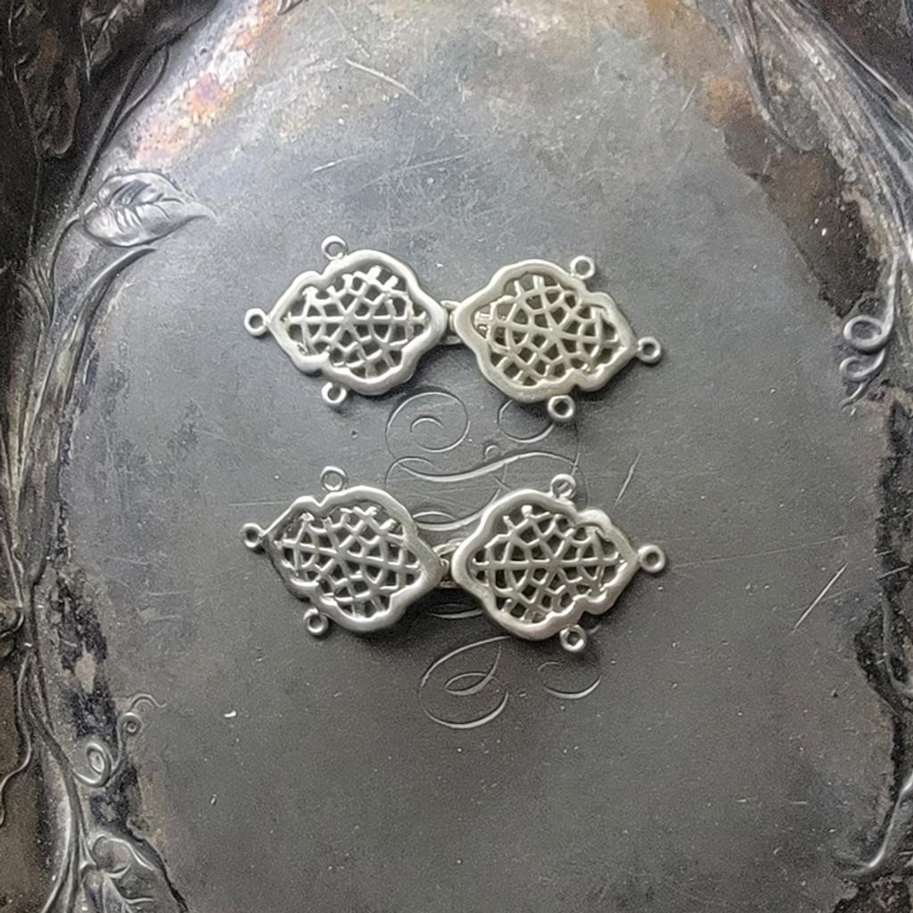 Venetian Lace Clasps