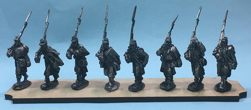 28mm Union marching in greatcoats