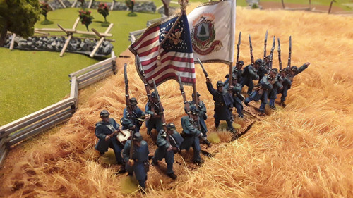 US Infantry Regiment, greatcoats, marching, right shoulder shift