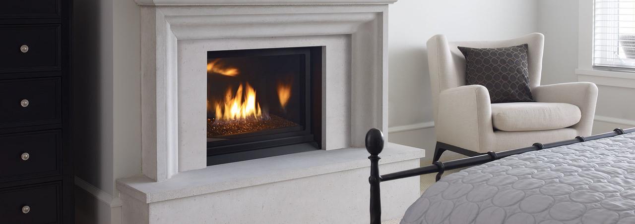 Regency Horizon HZ33CE - Clean Front Gas Fireplace