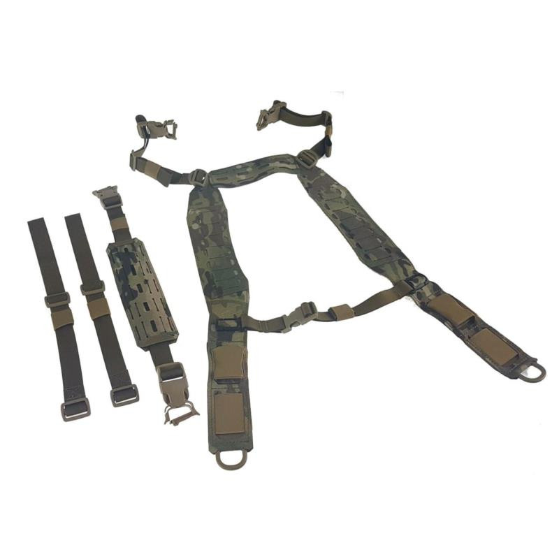 H-harness with front fast buckle and D-ring, back strap with MOLLE, straps for war belt