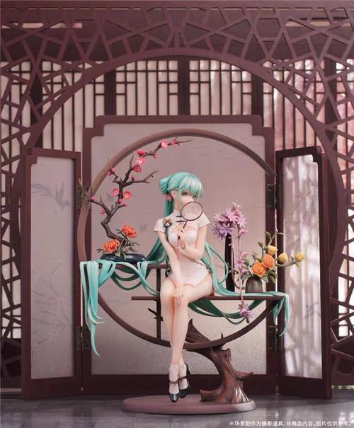 【PRE-ORDER】Hatsune Miku 1/7 scale PVC