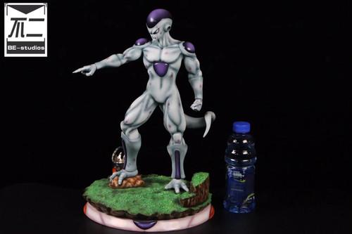 【PRE-ORDER】Be studio 1:4 Freezer resin statue