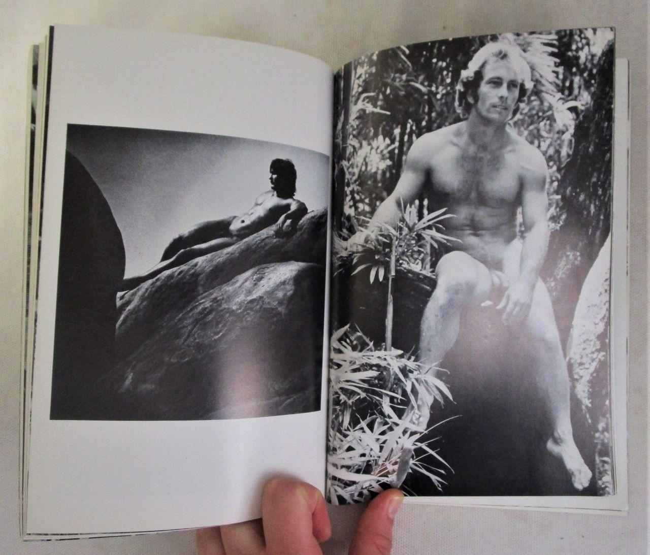 A WORLD OF NUDES, by Roy Dean - 1975 [1st Ed]