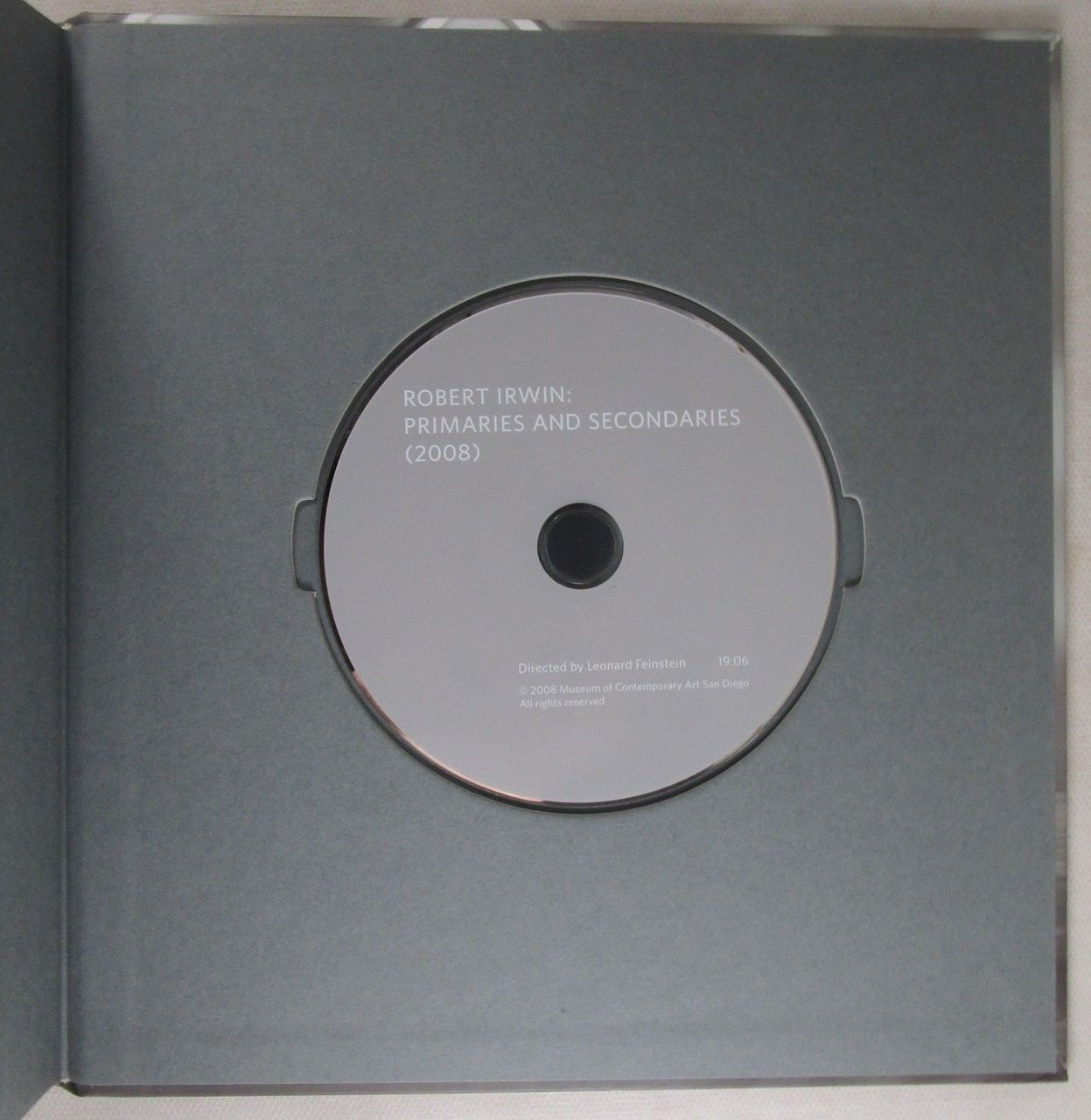 ROBERT IRWIN: PRIMARIES AND SECONDARIES - 2008 [+DVD]