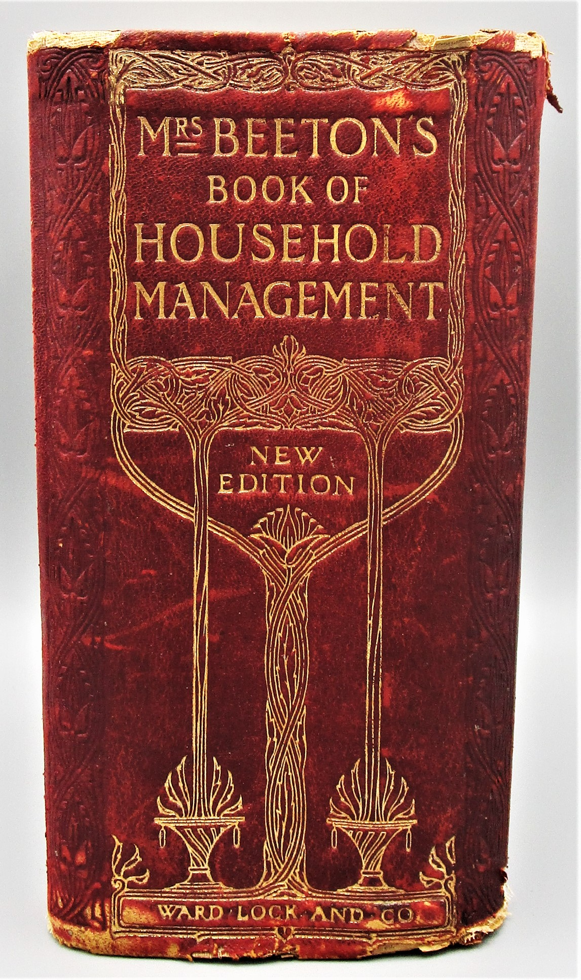 MRS BEETON'S BOOK OF HOUSEHOLD MANAGEMENT - 1906