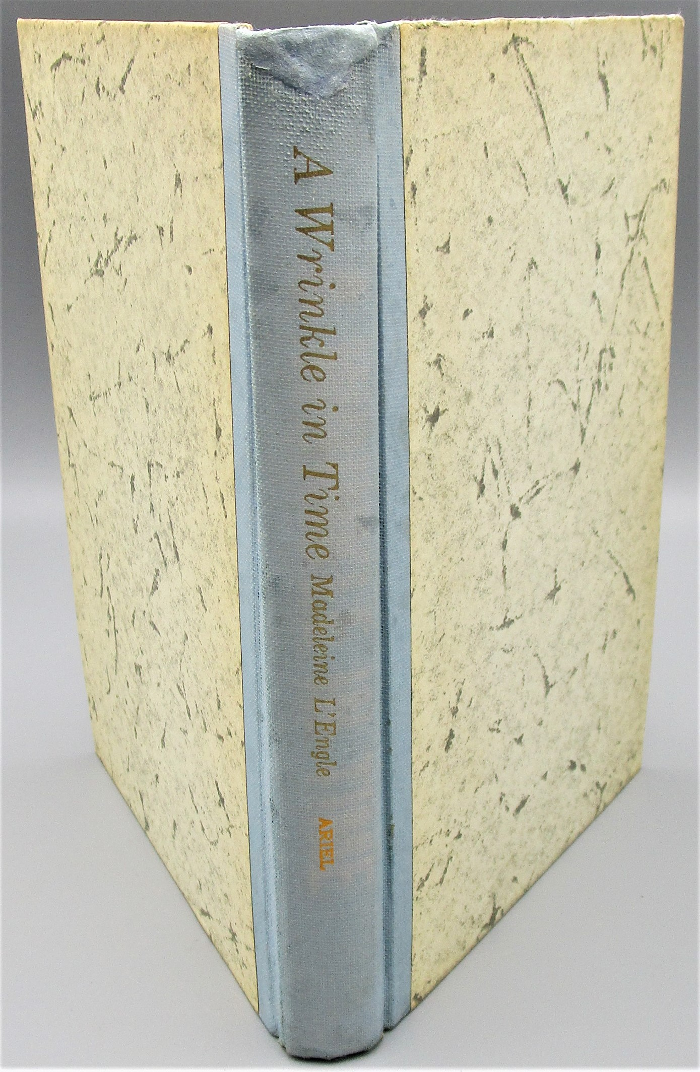 A WRINKLE IN TIME, by Madeleine L'Engle - 1963 [Signed]