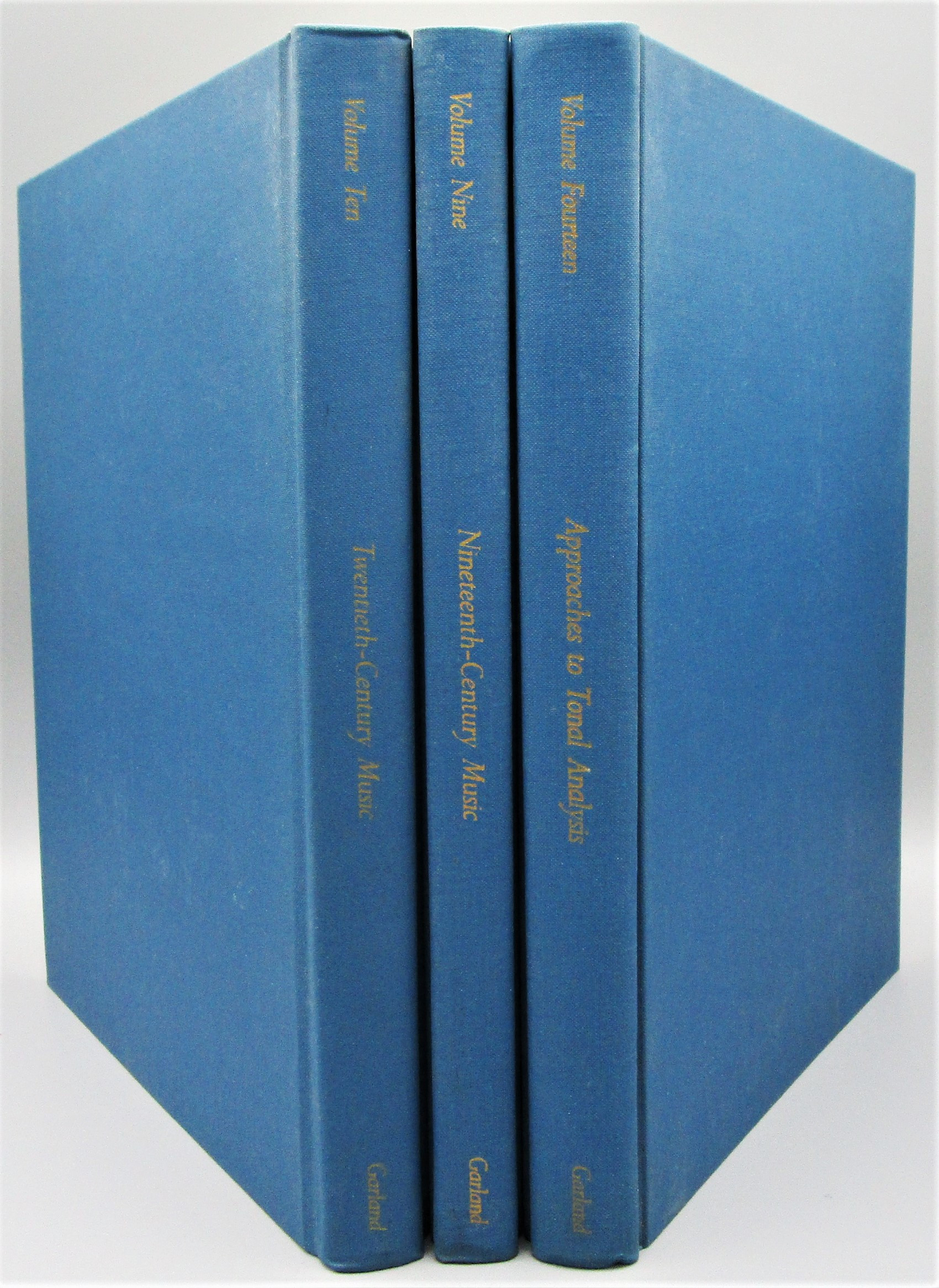 THE GARLAND LIBRARY OF THE HISTORY OF WESTERN MUSIC - 1985 [Vols 9, 10 & 14, 1st Ed]